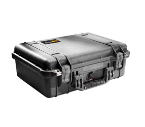PELI 1520 PROTECTOR CASE With padded dividers, internal dimensions 449x318x171mm, black