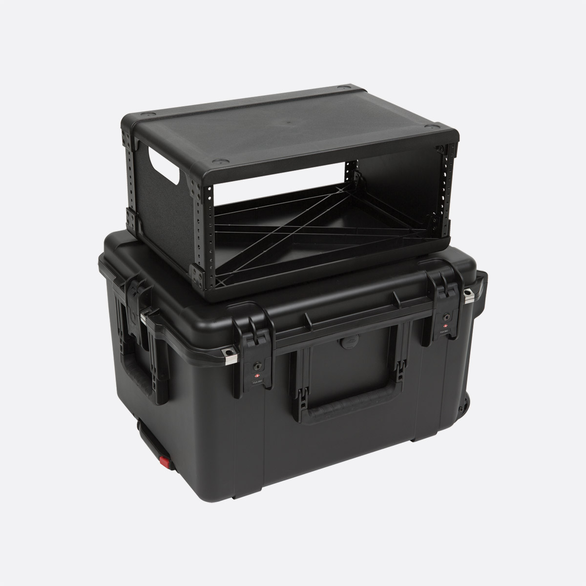 SKB 3i-2217M124U ISERIES FLY RACK CASE 4U, 19-inch, internal cage  dimensions 330x483x178mm, black