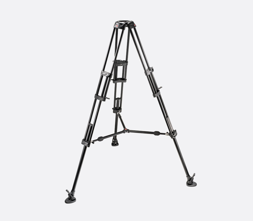 MANFROTTO 545B VIDEO TRIPOD Aluminium, 3 leg sections, 154cm height, 100mm  bowl, mid-level spreader